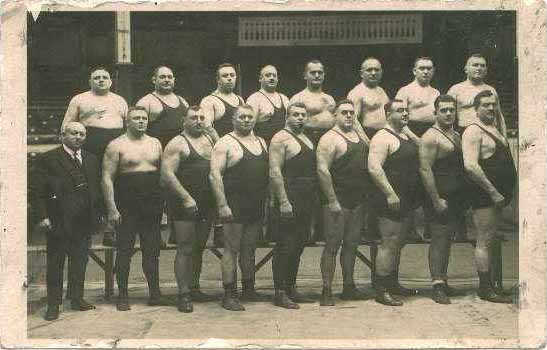 http://www.wrestlingsbest.com/collectibles/ph1934germanteam.jpg